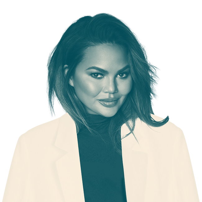 ChrissyTeigen_SpeakerPagePortrait_Dark_Teal